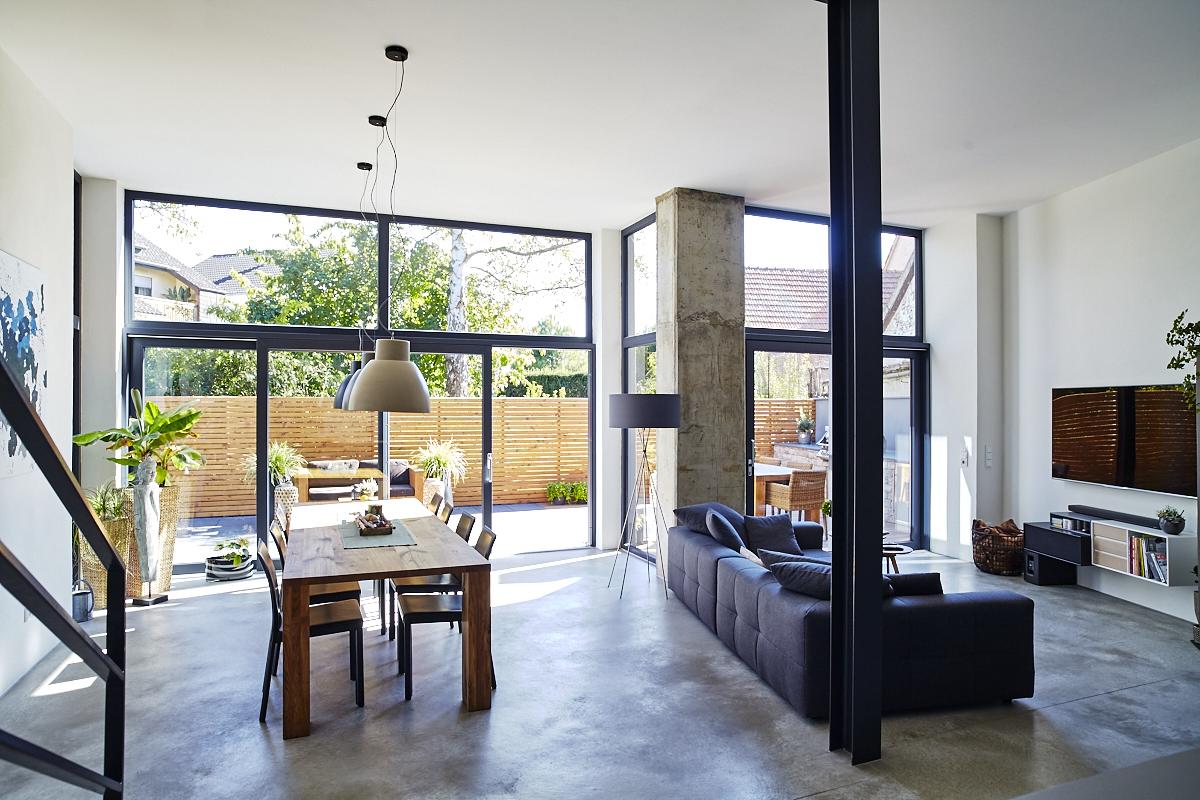scheunenumbau in rodenbach architektur innenarchitektur. Black Bedroom Furniture Sets. Home Design Ideas
